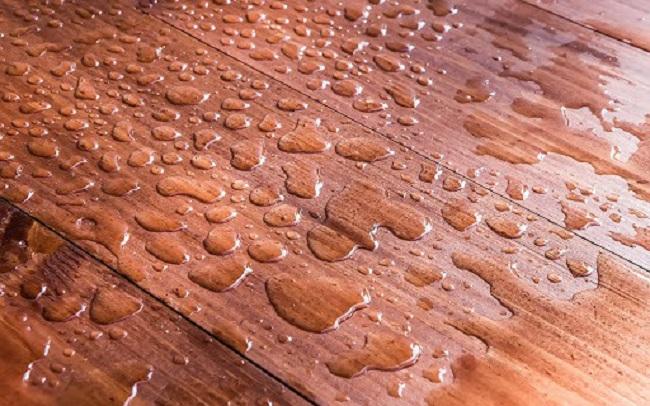 Lát nền nhà bằng sàn nhựa giả gỗ có đẹp không?