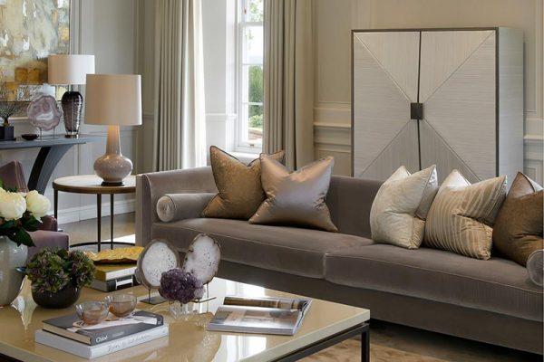 Nội thất phòng khách theo phong cách tân cổ điển sang trọng