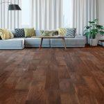 Sàn gỗ óc chó tự nhiên hay sàn gỗ công nghiệp màu óc chó?